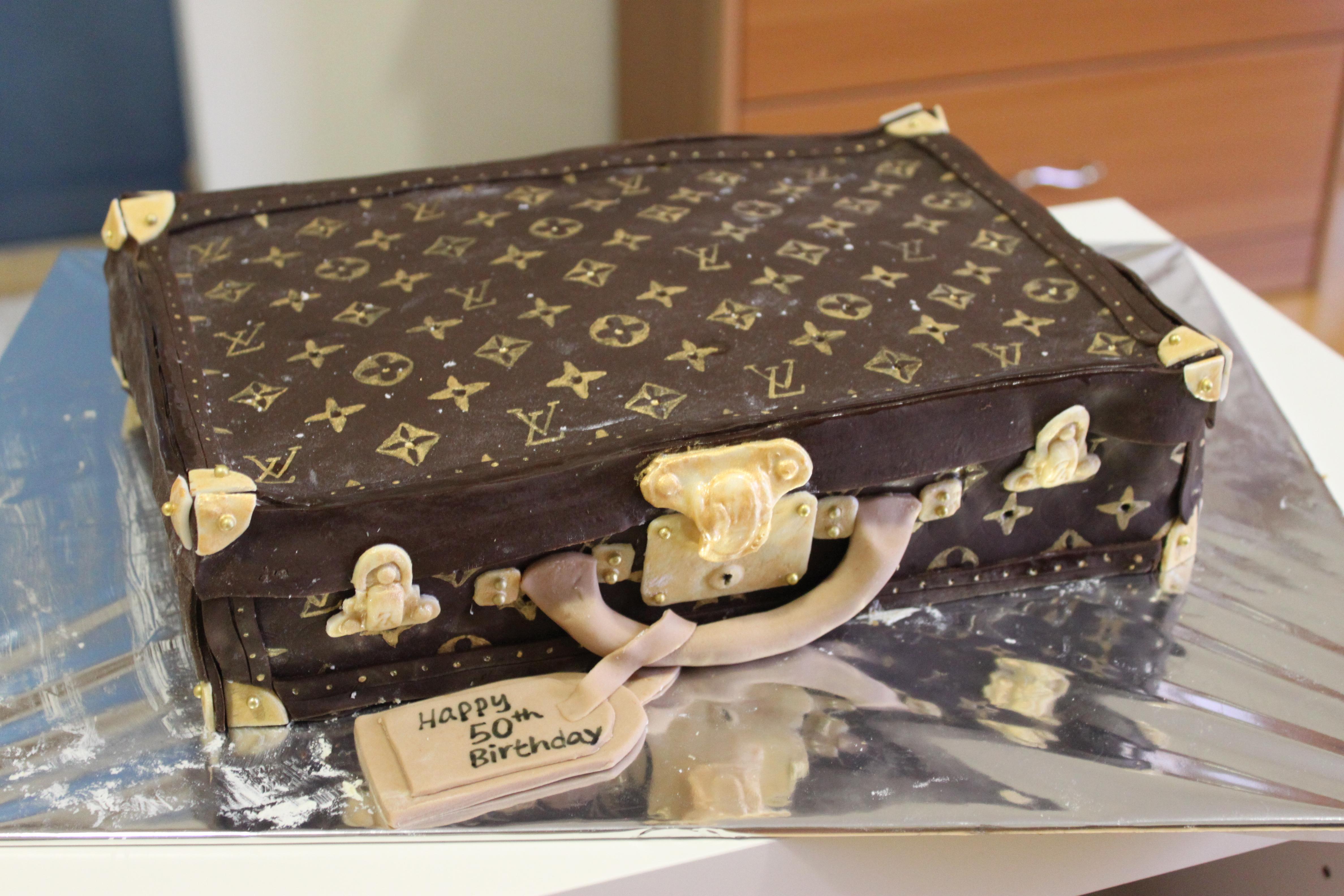 Lv Hardsided Luggage Cake