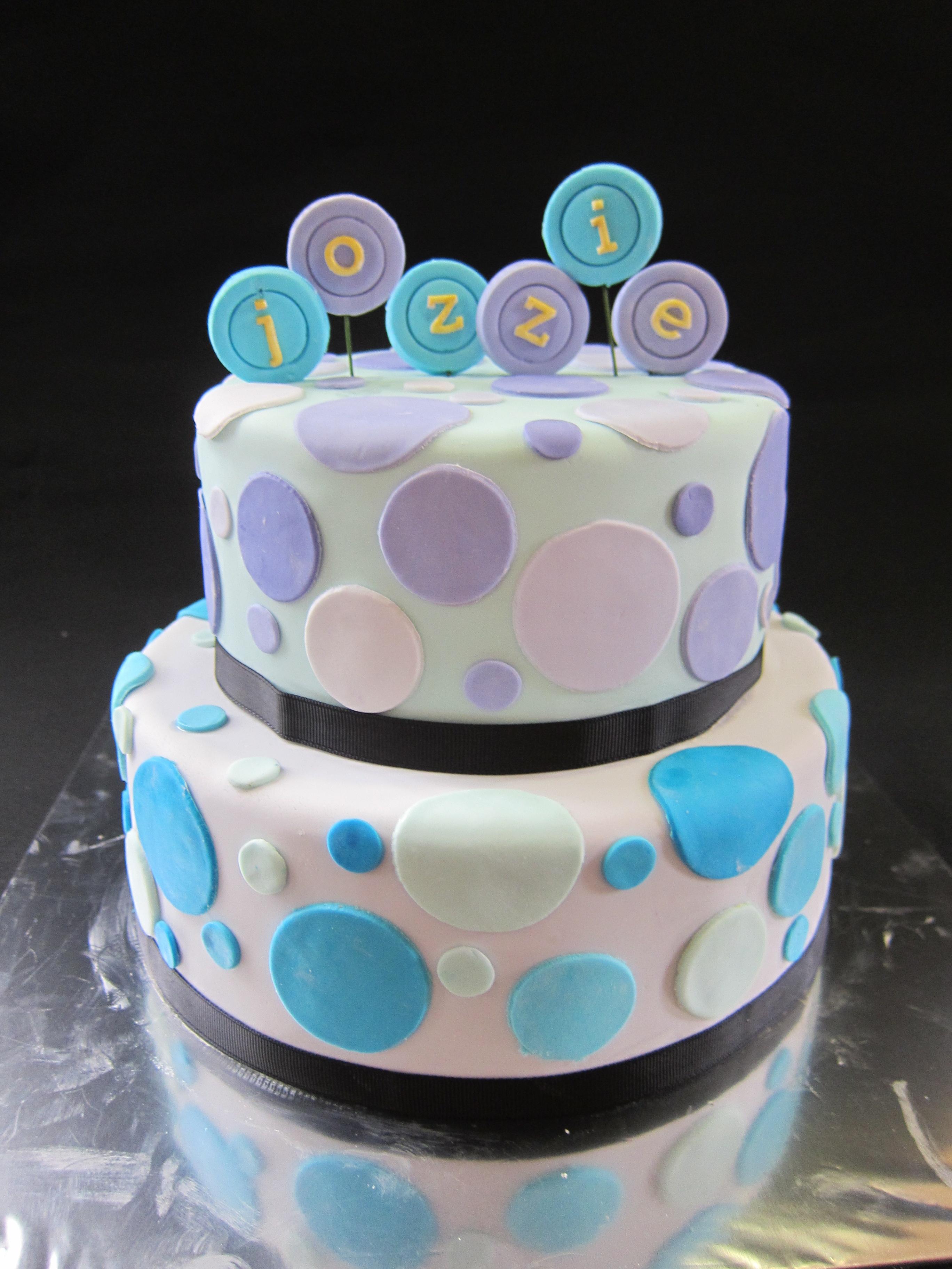 Cake Design Pics : Polka Dotted Cake